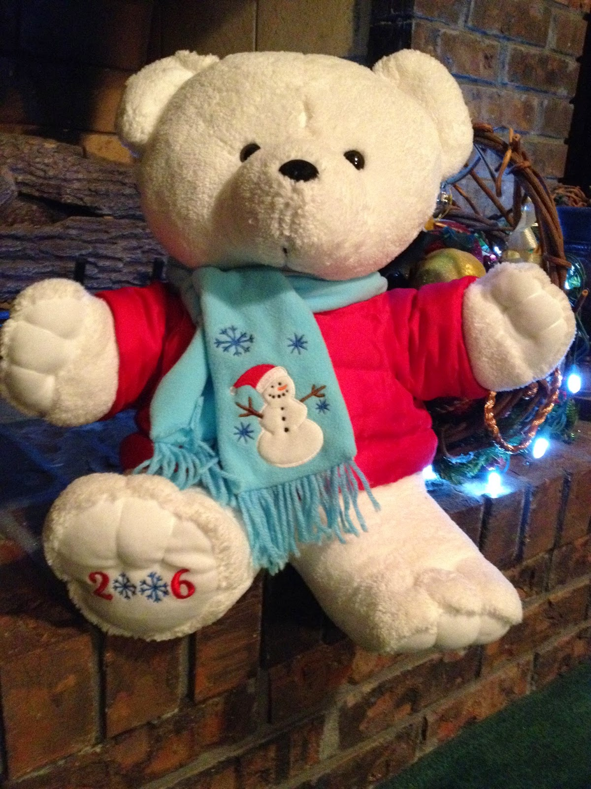 The Teddy Bear Shelter: 2006 DanDee Kmart Christmas Bear with dated foot
