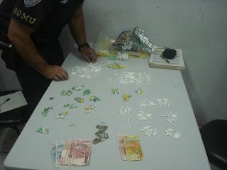 ROMU SOROCABA prende indivíduos com drogas no Jardim Guaíba