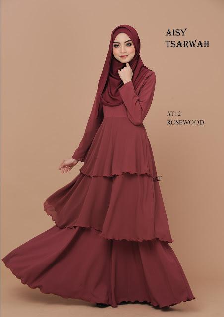 Anggun MAnis menawan dengan dress rekaan terkini