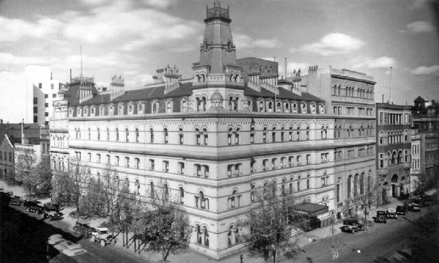 In 1896 Itwas Remodelled By The Addition Of Two Extra Stories Making It One Melbourne S Largest Hotels Designed For Wealthy Landed Families