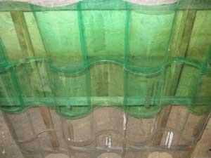 Como hacer un bonito y luminoso tejado con botellas de - Como construir un tejado ...
