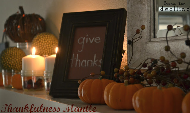 thanksgiving_mantle.jpg