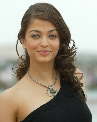 Aishwarya Rai Latest Hairstyles, Long Hairstyle 2011, Hairstyle 2011, New Long Hairstyle 2011, Celebrity Long Hairstyles 2071