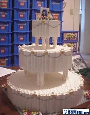 Kek Perkahwinan Yang Menarik