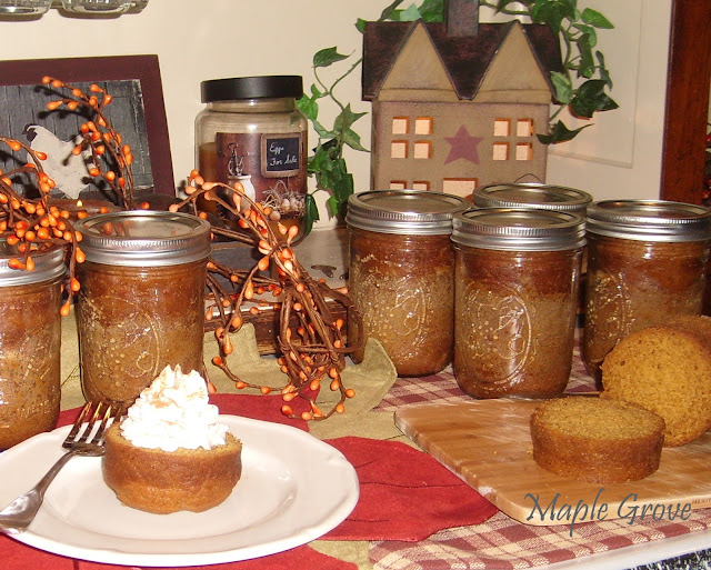 Maple Grove: Pumpkin Cake in a Jar