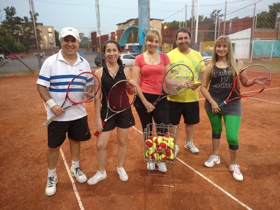 Clases de Tenis  en San Miguel y Malvinas Argentinas . Director: Profesor Jorge Barros
