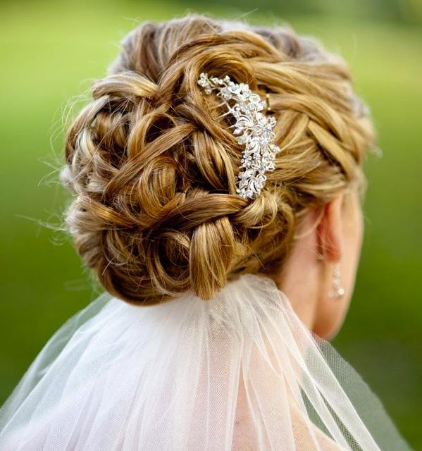 penteados-para-casamento-noiva-cabelos-longos