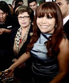 Foto de Magaly Medina con cabello castaño