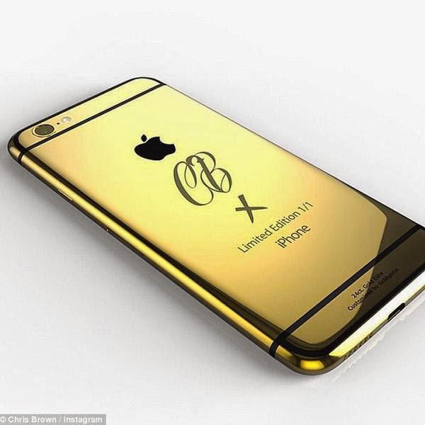 Chris Brown Shows Off 24K Gold iPhone 6