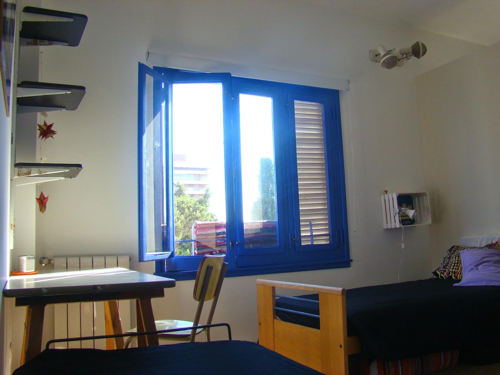Casa taller manzone hostel habitaciones para alquilar for Para alquilar habitaciones