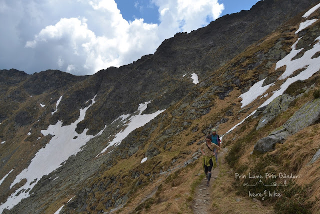 pietrosul-rodnei-peak-hike-mountain-path