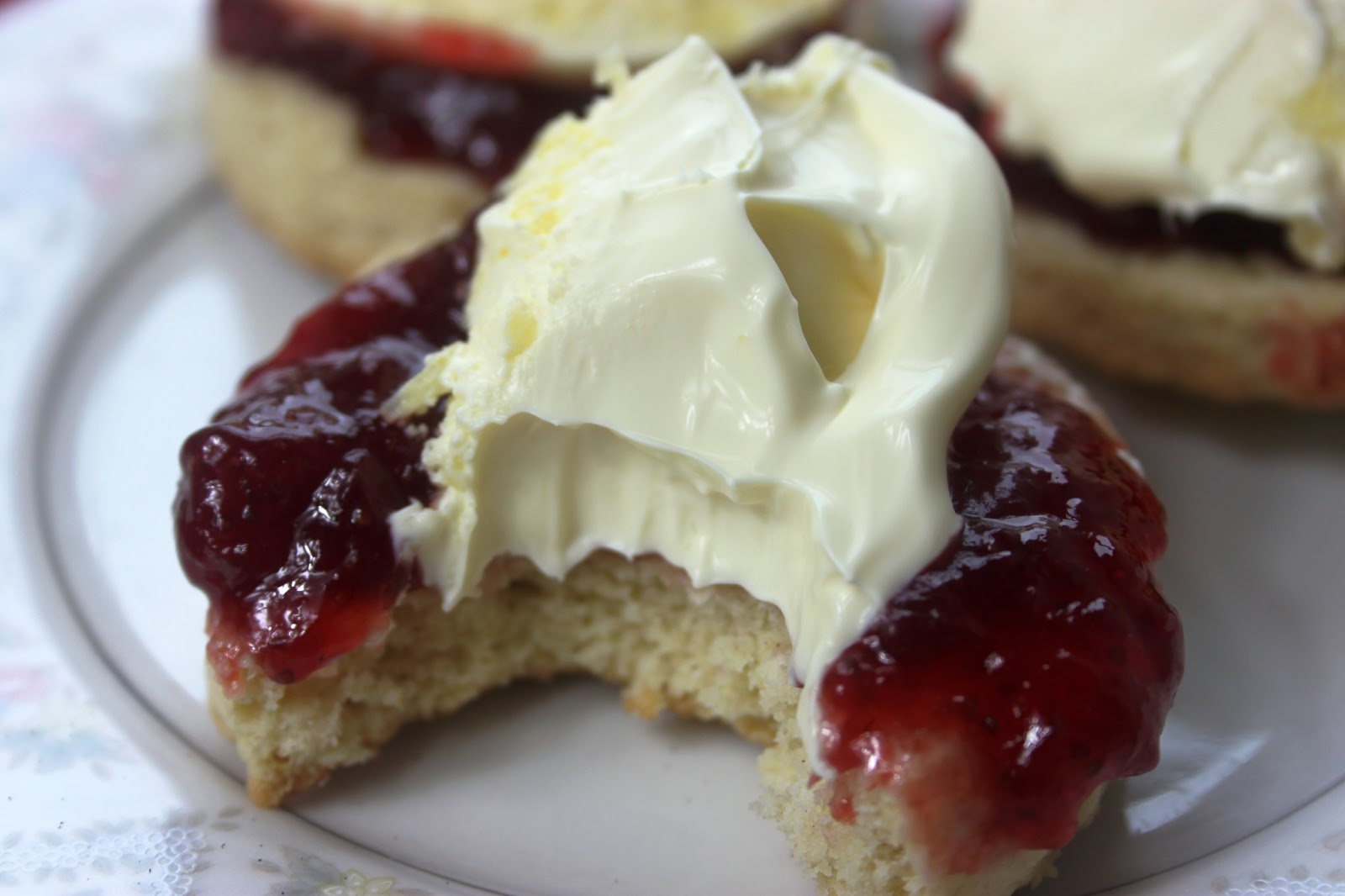Devonshire Cream Cake Recipe