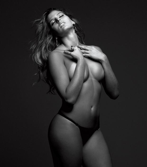 Mari Para Ba A Capa Da Playboy De Julho Jogadora V Lei Que