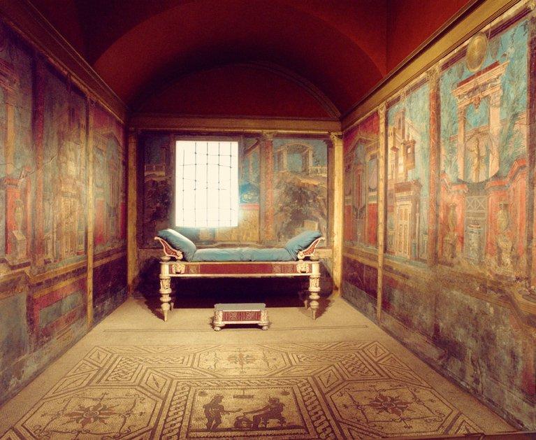 Recreación de un cubículo (dormitorio) de la villa romana de Boscoreale, en el Museo Metropolitan de Nueva York, con los frescos que el museo compró a De Prisco.