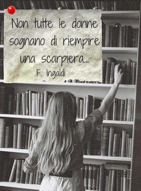 La materia dei libri è costituita dalle sottigliezze della vita.