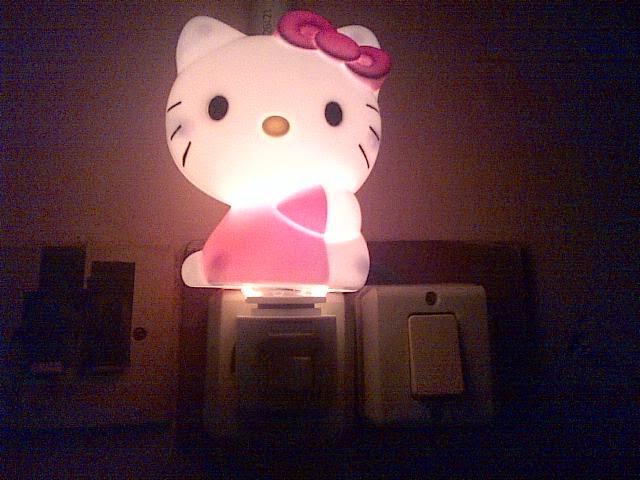 Gambar lampu tidur unik hello kitty