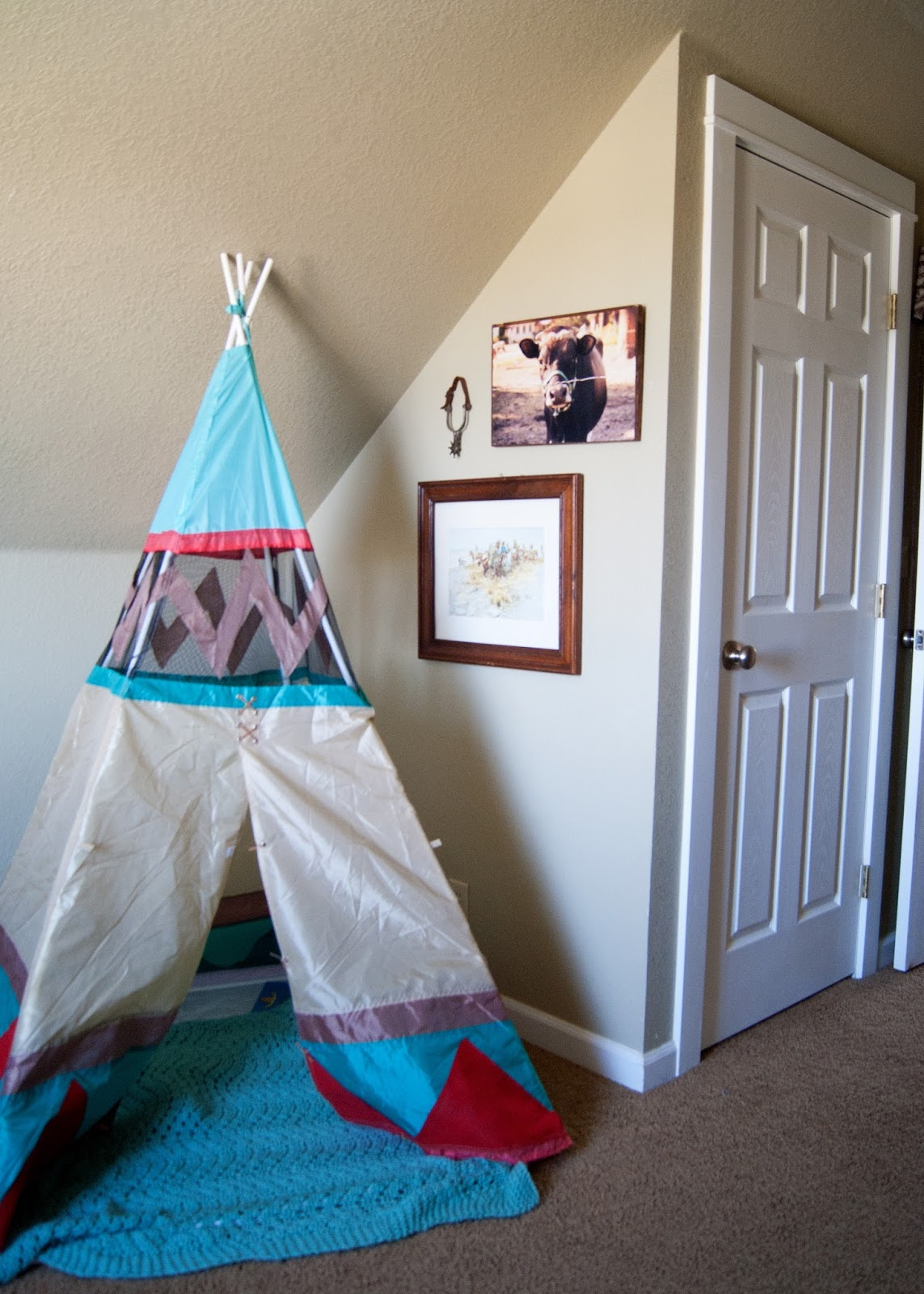 Tee pee and western art