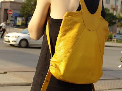 жёлтый рюкзачок