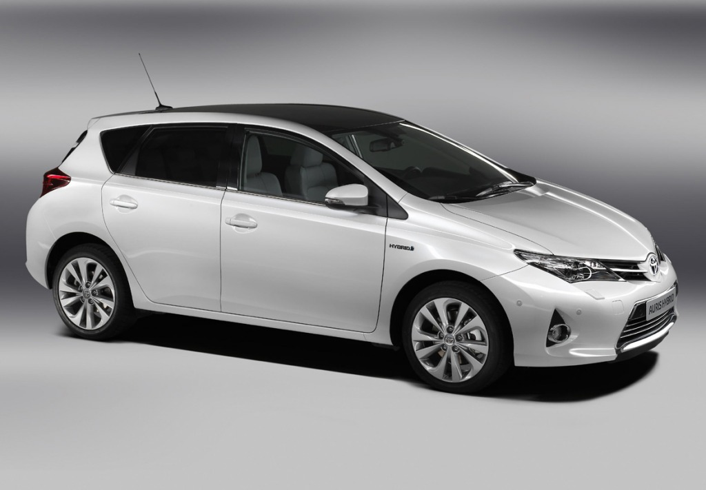 Toyota Auris Hatchback 2013
