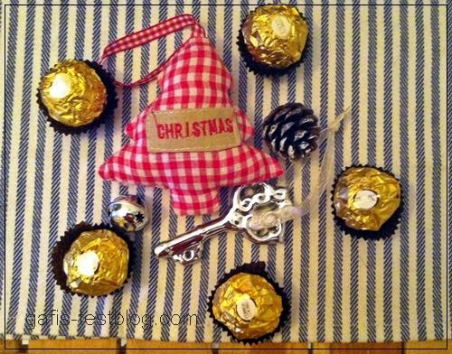 Ferrero Rocher auf dem weihnachtlichen Tisch