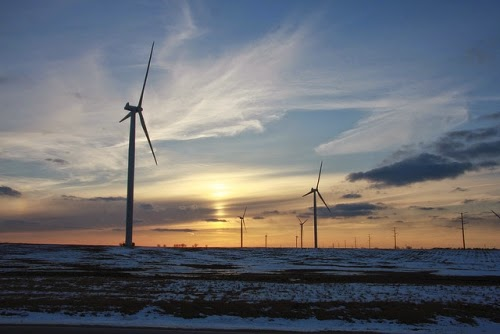 A wind farm in central Illinois. (Credit: Chauncey Davis/flickr) Click to enlarge.