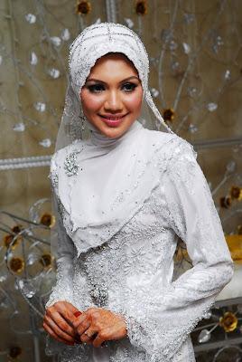 10 Ide Jilbab Pengantin