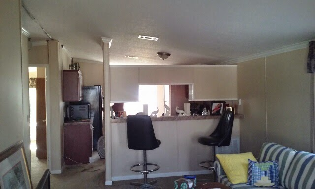Beach house nice 2 bedroom 2 bath can have a porch and for R f bathrooms and kitchens
