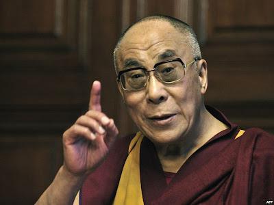 Далай-лама поучает.