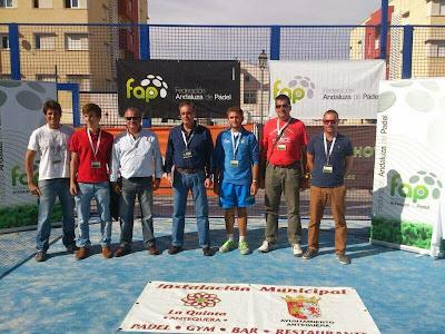 Equipo arbitral del Campeonato de Andalucía de Menores por Parejas, formado por el Juez Árbitro Principal, Juez Árbitro Adjunto y Jueces en prácticas