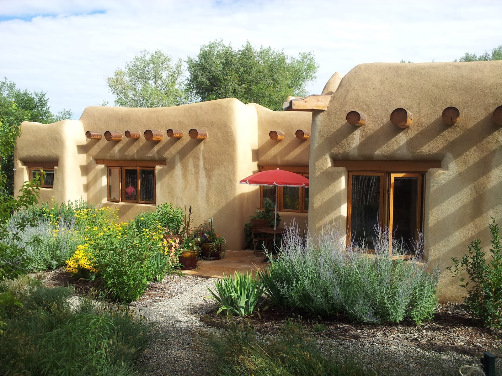 California girl in taos taos garden home tour 2013 for Adobe home builders california