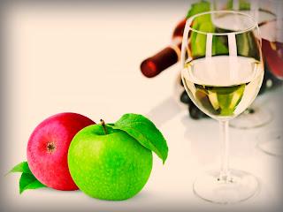 Яблоки под винным соусом