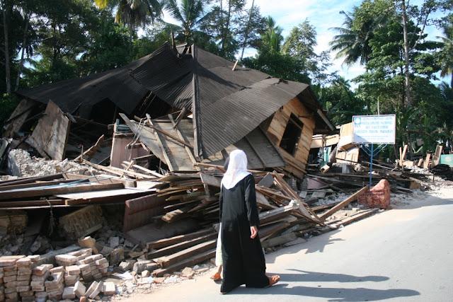 Pencuri Resahkan Warga Korban Gempa