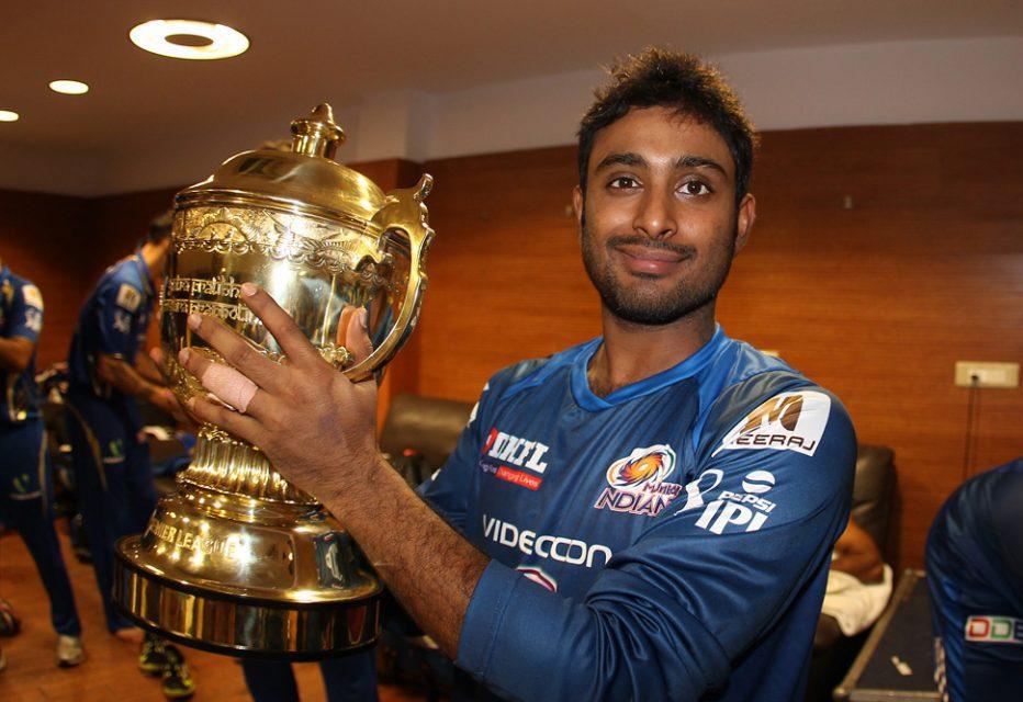 Ambati-Rayudu-celebrates-MI-Win-IPL-2013