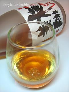 Japanese-plum-wine-umeshu