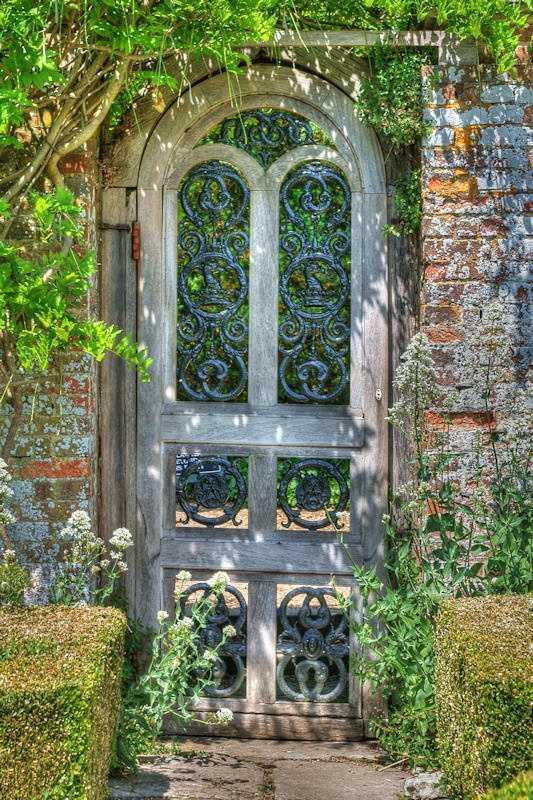 Emprendimientos de hoy decorando con puertas viejas reciclaje for Puertas viejas