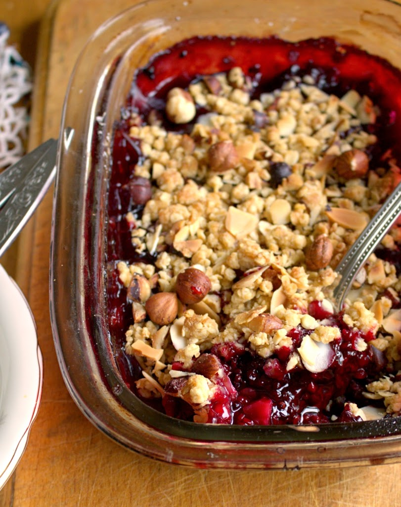 Chunky Blackberry Hazelnut Crumble
