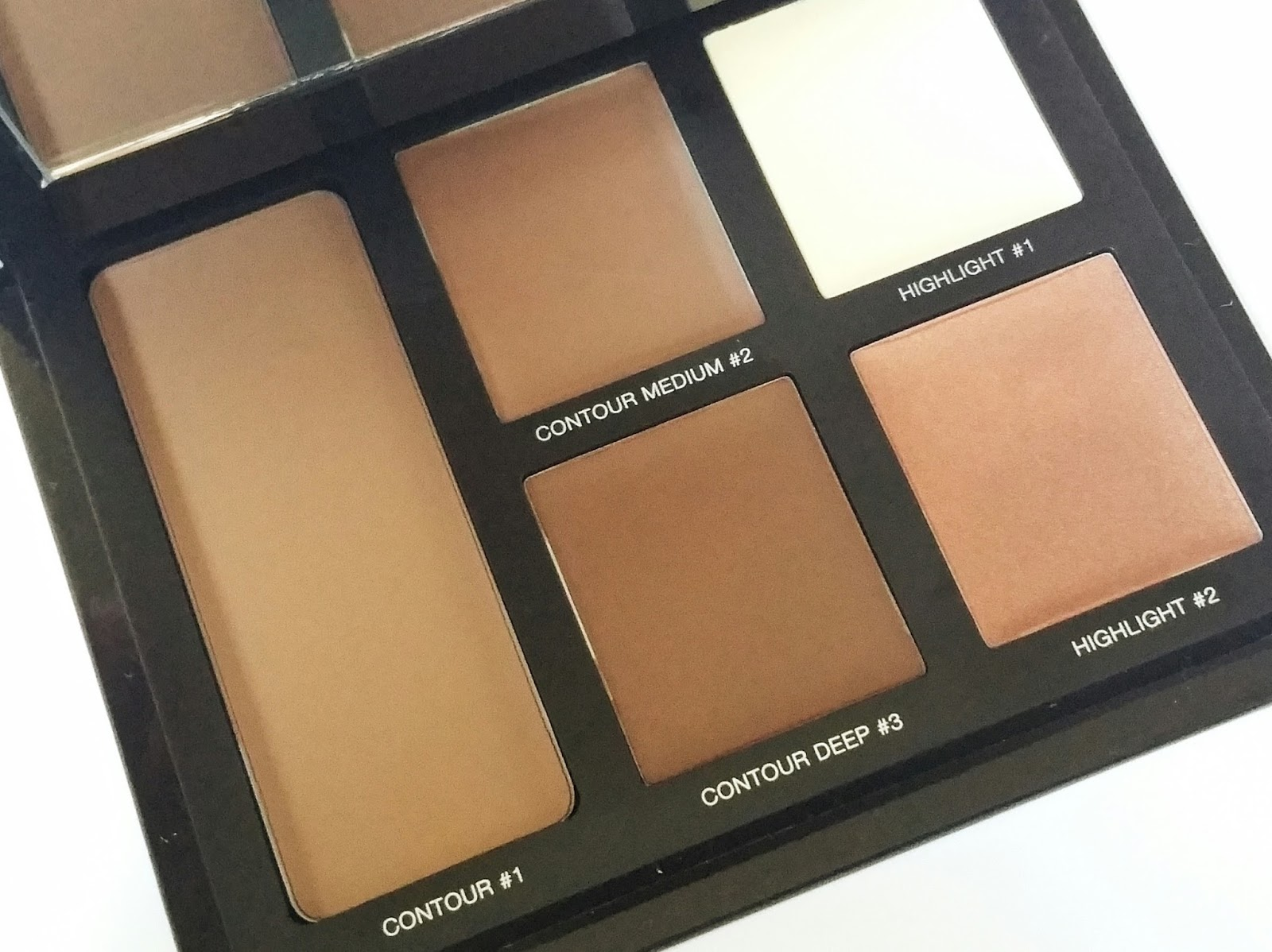 82804208d96 The Laura Mercier Contouring Palette is perfect for make up kits as they  can be used on a range of different skin tones. I find creams to be  incredibly easy ...