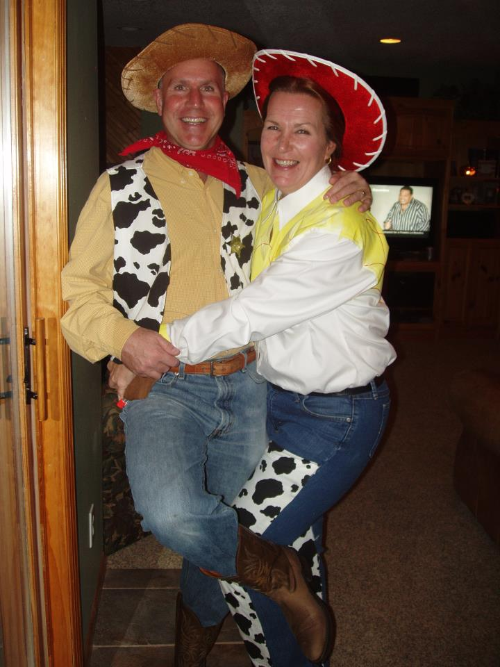 Jessie and Woody Costumes Homemade http://ruffages.blogspot.com/2011/10/fall-ball-2011.html