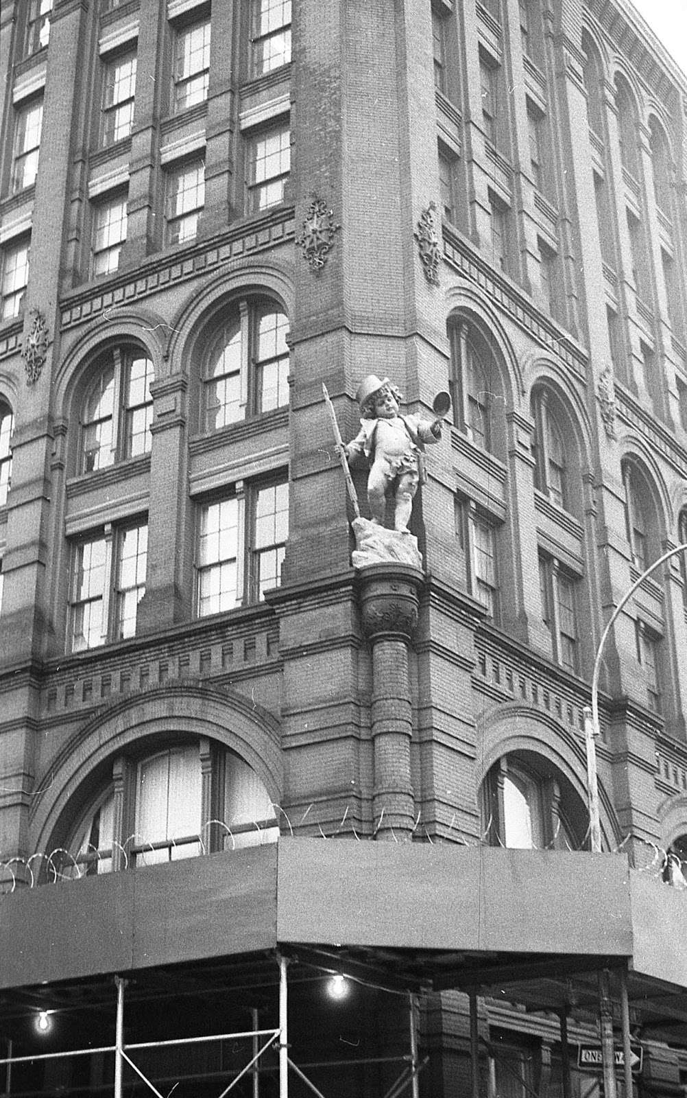 Mark bellis puck building 1991 new york city for Puck building