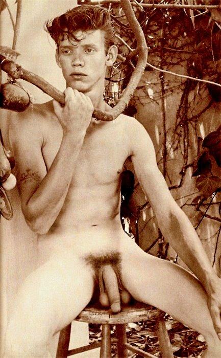 erotic dance mom nude selfie pics