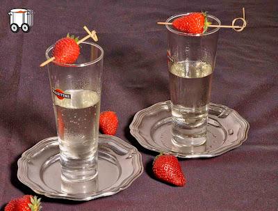 Szybko Tanio Smacznie - Truskowkowe martini z winem musującym