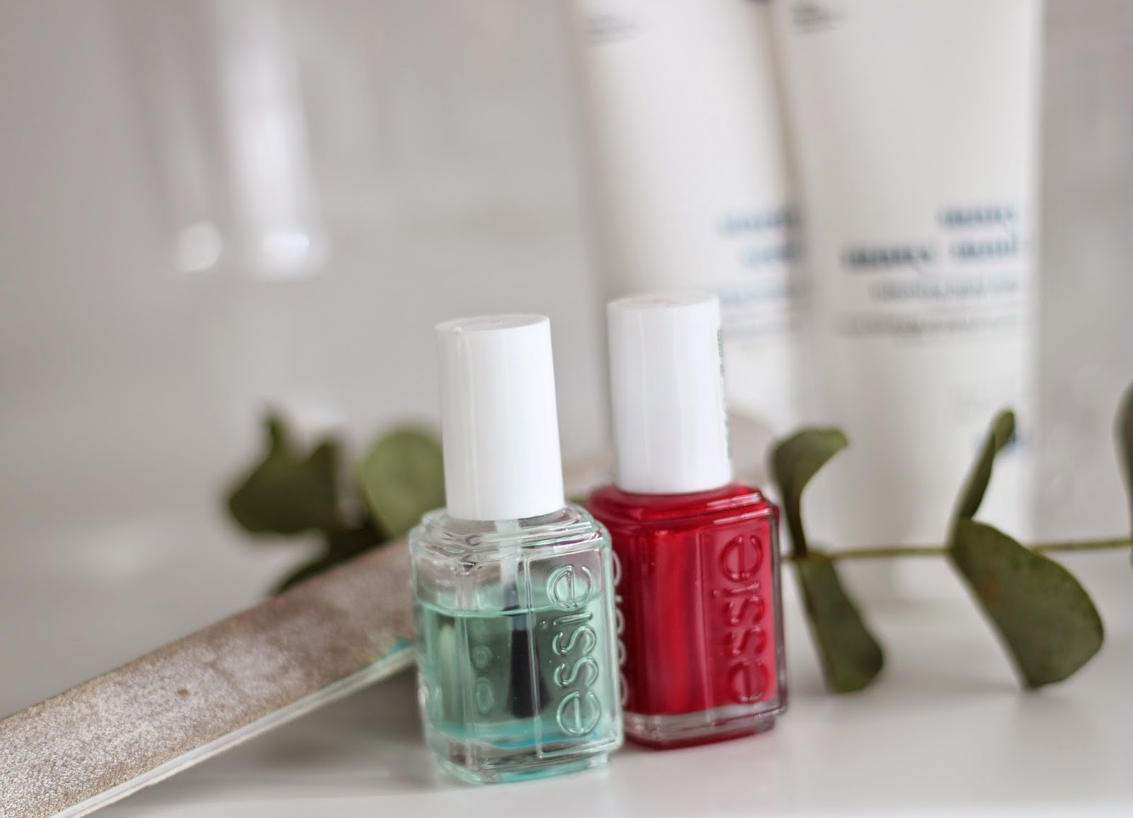 photo-essie_spa-manos-hands-exfoliante_starter_scrub-hidratante_many_many-mani
