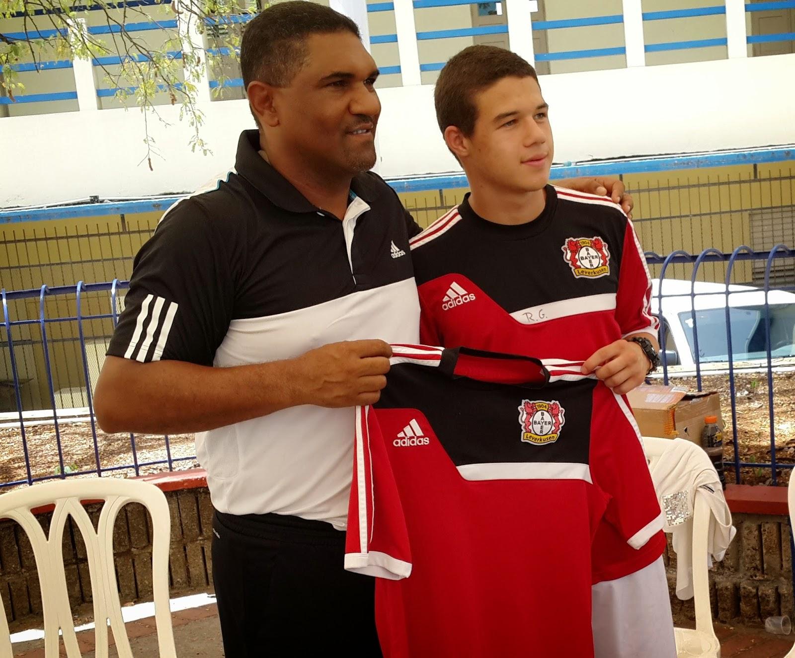 Jugador Selección Sub 16 de Alemania de origen dominicano de visita en el pais