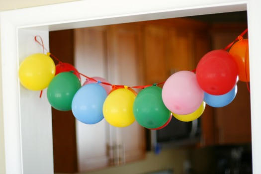 Balloon designs pictures balloon banner for Balloon banner decoration
