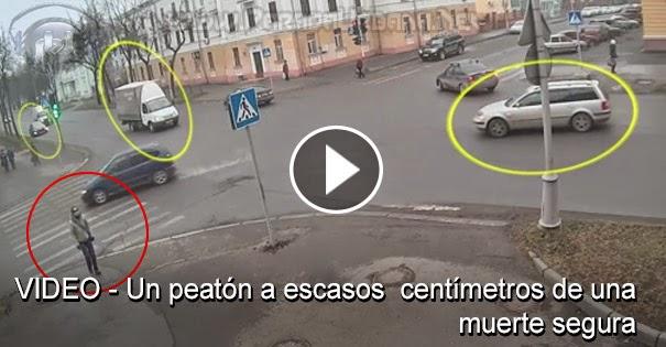 VIDEO INSOLITO - Un Peatón se ve a escasos centímetros de una muerte segura
