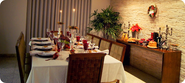 Decoração natalina mesa aparador de natal vermelho e dourado