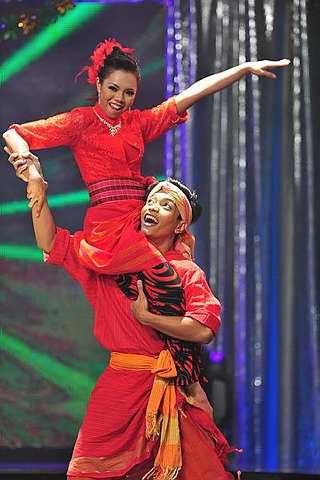 Gambar Razif dan Alia Juara Mari Berdansa Aidilfitri