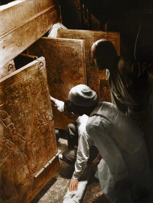 Apertura de la tumba de Tutankamón