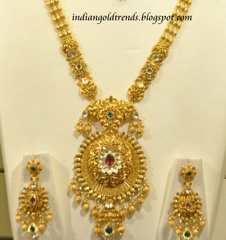 check out malabar gold necklace with designer gold pendant or locket