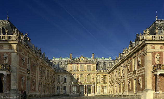 صور رائعة من باريس  Top_10_things_to_do_while_in_paris_versailles_palace_front1